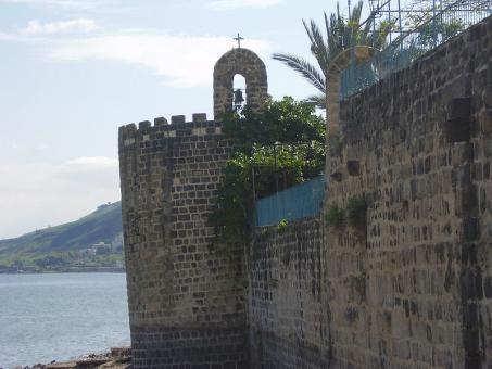 המגדל הנטוי בחומת העיר העתיקה בטבריה