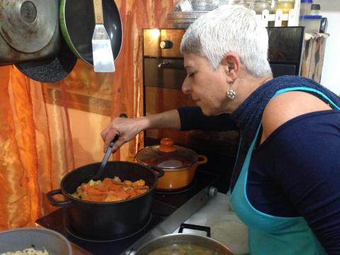 אצל יונה באהבה בישול ביתי וגלריה באשתאול