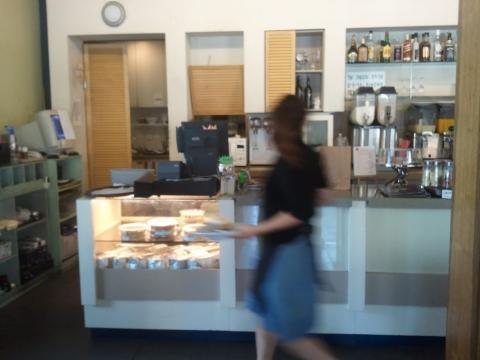 בית הקפה של גידי - הויטרינה