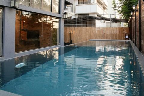 הבריכה בבית האורבני בפתח תקווה