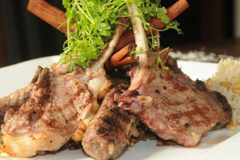 צלעות הטלה המעולות במסעדת דיאנה בנצרת