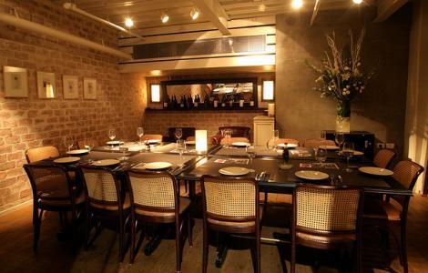 החדר הפרטי במסעדת מועדון הקצינים של ג'ירף בתל אביב