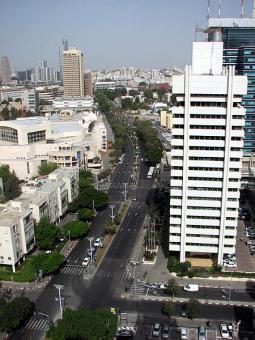 שדרות שאול המלך בתל אביב