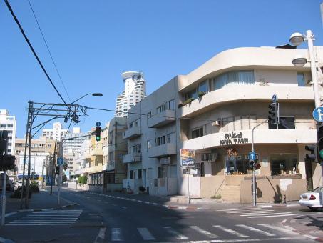 רחוב הירקון תל אביב