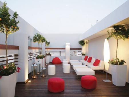 מרפסת מלון ארטפלוס בתל אביב