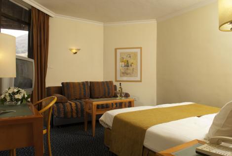 חדר במלון רימונים מינרל טבריה