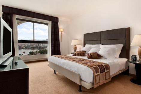 חדר במלון הילטון מלכת שבא אילת