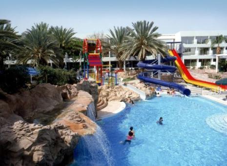 הבריכה במלון לאונרדו קלאב אילת