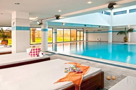 הבריכה במלון לאונרדו חיפה