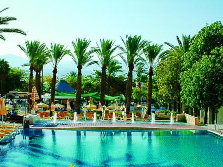 הבריכה במלון ישרוטל ים סוף אילת