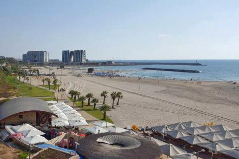 חוף דן אכדיה הרצליה