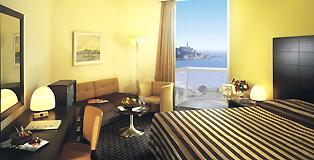 חדר אקזקטיב מלון דן פנורמה תל אביב