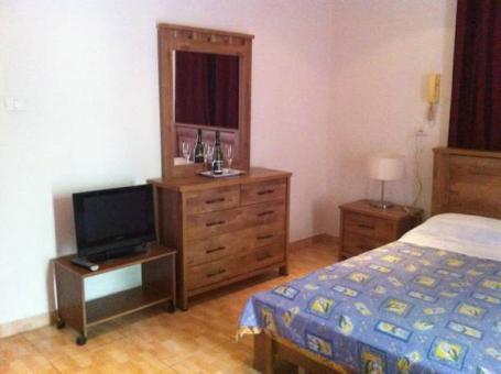חדר במלון עדן בחיפה