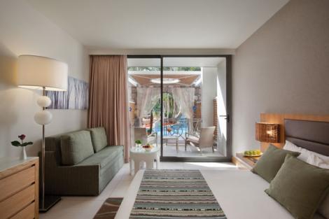 חדר משפחה על המים במלון ישרוטל אגמים אילת