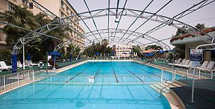 הבריכה במלון גני דן אשקלון