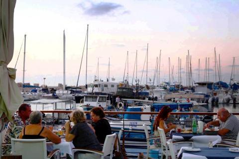 מסעדת הדייגים בנמל יפו