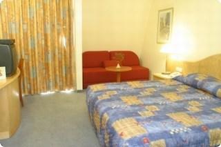 חדר במלון הולידיי אין אשקלון