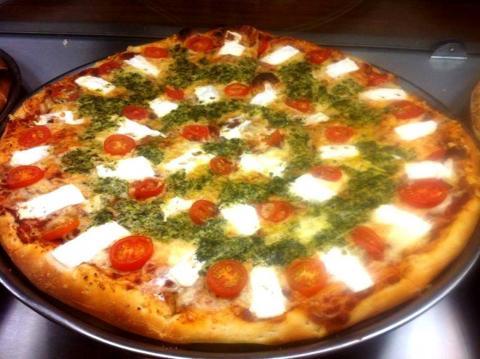 פיצה הום טבריה בקניון כשר