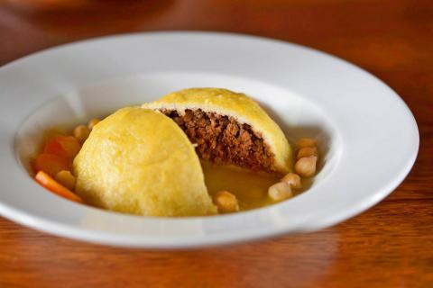 מסעדה ביתית אמא בירושלים קובה ממולאים בשרים חומוס