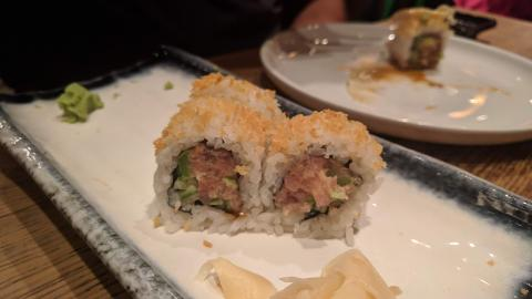 ספייסי טונה מסעדת אסיה מוניקה