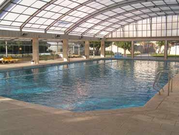 הבריכה במלון קראון פלזה ירושלים