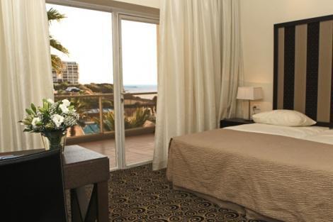 חדרים במלון השרון הרצליה
