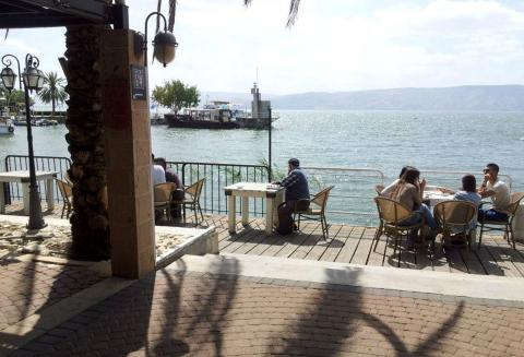 מסעדת בשרים כשרה מרינדו בנמל קיבוץ עין גב