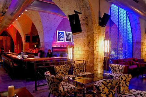 מועדון שמונה בתל אביב