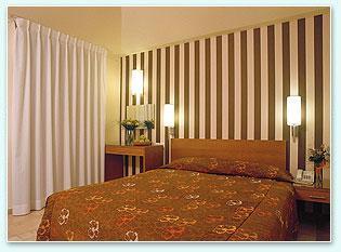 מלון אסטרל וילג'