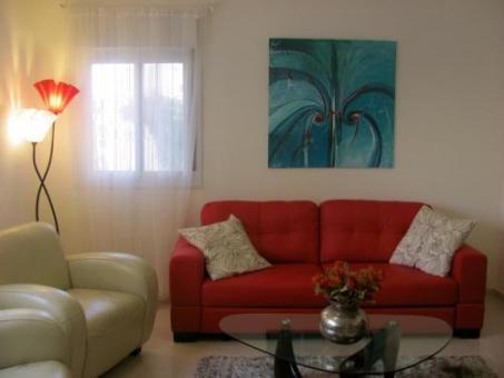 סלון בדירה של ליאת בירושלים
