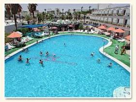 הבריכה במלון אמריקנה אילת