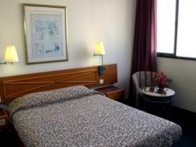 חדרי אירוח במלון דבורה - תל אביב