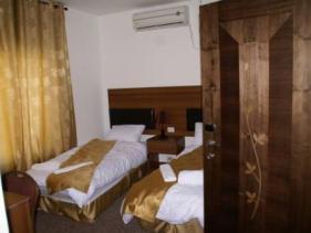 חדר האירוח במלון מטרופול ירושלים
