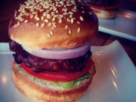 מסעדת בורגרס בר בן יהודה תל אביב