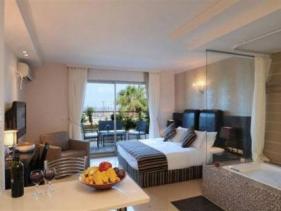 חדר מלון רויאל טי סוויטס תל אביב