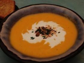 מרק הבטטה המופלא של מסעדת סלטה ברעננה