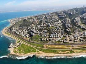 הכרמל נושק לים במפרץ חיפה