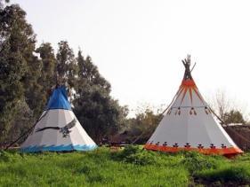 הכפר האינדיאני - חניון המפלים בשמורת נחל אל-על