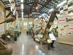 """מוזיאון בתי האוסף לתולדות צה""""ל - תל אביב - יפו"""