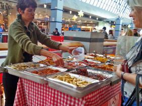 שוק האוכל בקניון קרית אונו