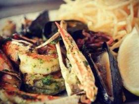 מנות דגים ופירות ים בסיטרה